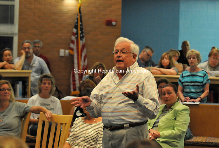 OXFORD, CT-14 JULY 2010-071410IP01- Hank Bauer of Oxford makes a point during a hearing on Superintendent Judith A. Palmer's contract at Oxford High School on Wednesday. The Oxford Board of Education scheduled the hearing after residents submitted a petition asking the board to enter into a new contract with Palmer.                                                                                                                                                                                                                                                                                                                                                                                                                                                                                                                                                                                                                                                                                                                                                                                                                                            <br /> Irena Pastorello Republican-American