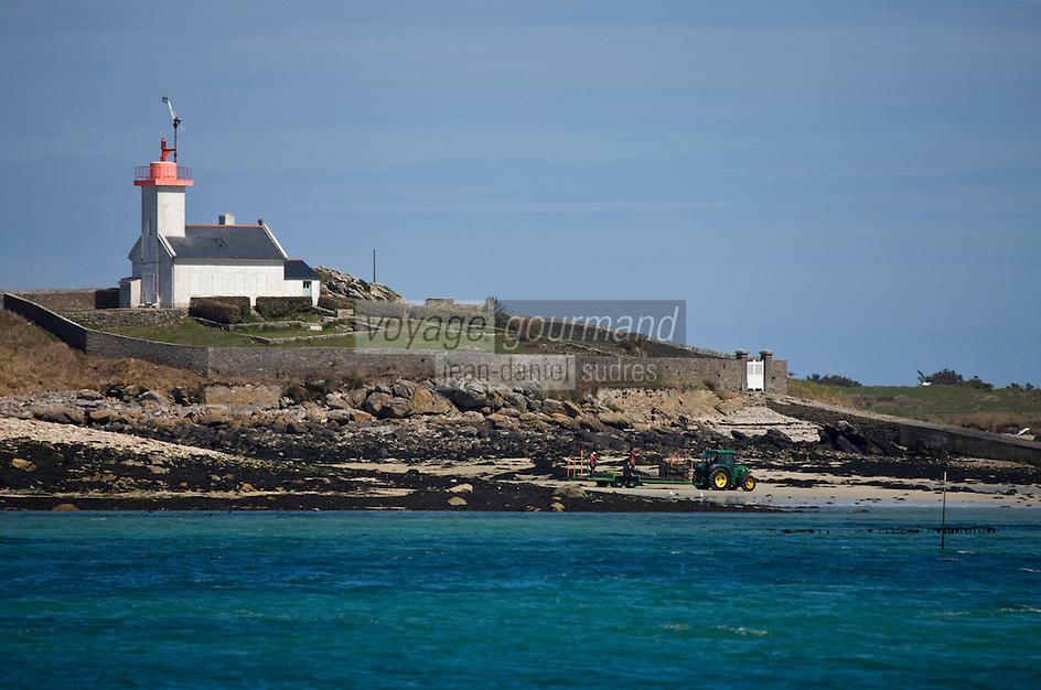 Europe/France/Bretagne/29/Finistère/Lilia: Petit phare de l'Ile Wrac'h à la sortie de l'Aber Wrac'h