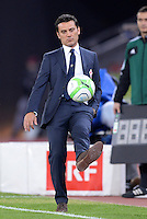 FUSSBALL   INTERNATIONAL   UEFA EUROPA LEAGUE   SAISON 2013/2014    Qualifikation Grasshopper Club Zuerich - AC Florenz      22.08.2013 Trainer Vincenzo Montella (AC Florenz) am Ball