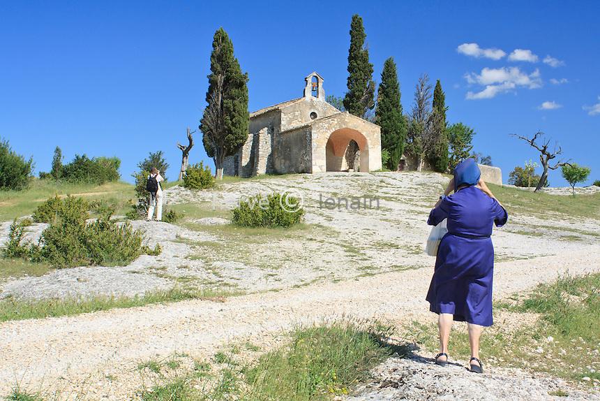 France, Bouches-du-Rhône (13), région des Alpilles, Eygalières, chapelle Saint-Sixte // France, Bouches du Rhone, Alpilles, Eygalieres, chapel St Sixte