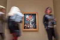 """Ausstellung """"Van Gogh. Stillleben"""" im Potdamer Museum Barberini.<br /> Die Ausstellung versammelt in einer repraesentativen Auswahl 27 Gemaelde. Von den in dunklen Erdtoenen gehaltenen Studien des Fruehwerks der Jahre 1881–1885 bis zu den in leuchtenden Farben gemalten Obst- und Blumenstillleben, die in den letzten Lebensjahren entstanden.<br /> Im Bild: Das Gemaelde """"Stillleben mit Wiesenblumen und Rosen"""".<br /> 24.10.2019, Potsdam<br /> Copyright: Christian-Ditsch.de<br /> [Inhaltsveraendernde Manipulation des Fotos nur nach ausdruecklicher Genehmigung des Fotografen. Vereinbarungen ueber Abtretung von Persoenlichkeitsrechten/Model Release der abgebildeten Person/Personen liegen nicht vor. NO MODEL RELEASE! Nur fuer Redaktionelle Zwecke. Don't publish without copyright Christian-Ditsch.de, Veroeffentlichung nur mit Fotografennennung, sowie gegen Honorar, MwSt. und Beleg. Konto: I N G - D i B a, IBAN DE58500105175400192269, BIC INGDDEFFXXX, Kontakt: post@christian-ditsch.de<br /> Bei der Bearbeitung der Dateiinformationen darf die Urheberkennzeichnung in den EXIF- und  IPTC-Daten nicht entfernt werden, diese sind in digitalen Medien nach §95c UrhG rechtlich geschuetzt. Der Urhebervermerk wird gemaess §13 UrhG verlangt.]"""