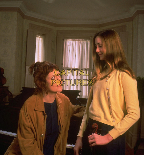 GLENNE HEADLY & MADELINE ZIMA.in The Sandy Bottom Orchestra.*Filmstill - Editorial Use Only*.Ref: FB.www.capitalpictures.com.sales@capitalpictures.com.Supplied by Capital Pictures