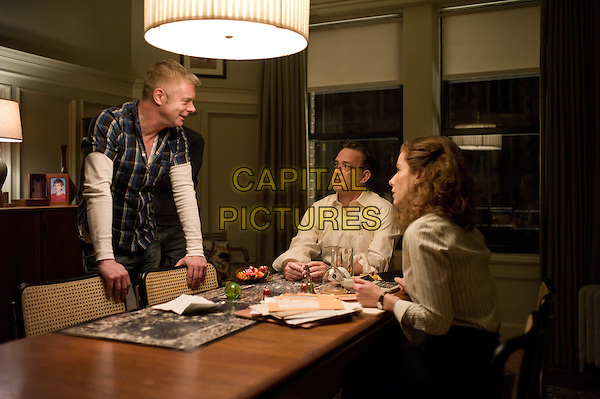 Director STEPHEN DALDRY, TOM HANKS & SANDRA BULLOCK.on the set of Extremely Loud and Incredibly Close .*Filmstill - Editorial Use Only*.CAP/FB.Supplied by Capital Pictures.