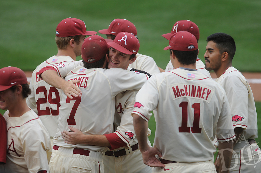 NWA Democrat-Gazette/J.T. WAMPLER -- The Razorbacks beat Tennessee 5-2 after a rain delay Sunday May 10, 2015.