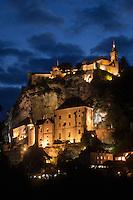 Europe/Europe/France/Midi-Pyrénées/46/Lot/Rocamadour:  Le village perché et la cité religieuse et ses sanctuaires dominé par  le Château - vue nocturne