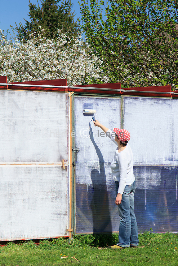 Blanchiment de serre au printemps // Bleaching of a greenhouse in the spring