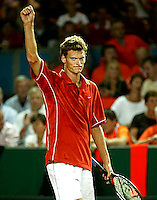 20030919, Zwolle, Davis Cup, NL-India, Sjeng Schalken makes 2-0 for holland bij defeating Amritraj in straigt sets