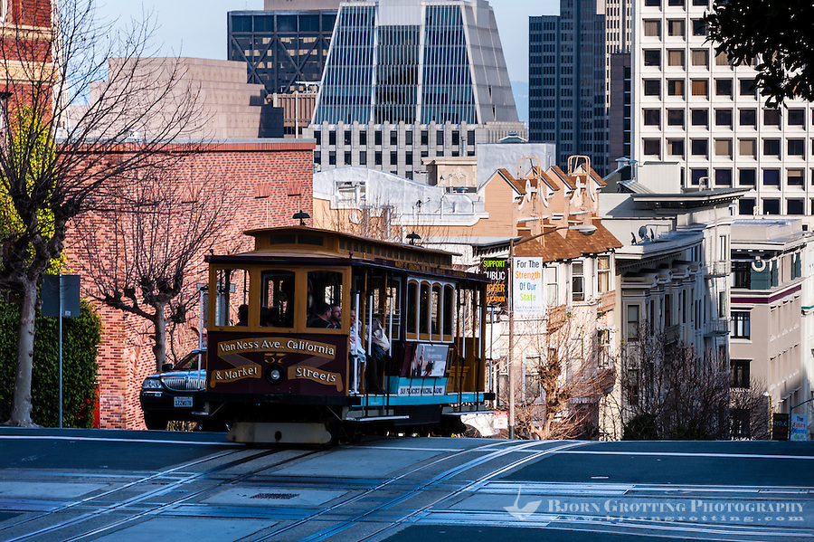 United States, California, San Francisco. Cable car on Nob Hill.