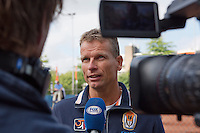 03-09-13,Netherlands, Alphen aan den Rijn,  TEAN, Tennis, Tean International Tennis Tournament 2013, Tean International ,   Press-conference Davis cup NED-AUT, Dutch captain Jan Siemerink is interviwed bij Fox TV<br /> Photo: Henk Koster