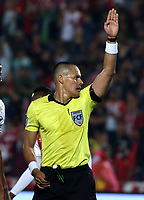 BOGOTA-COLOMBIA, 08-03-2020: Edilson Ariza, arbitro durante partido de la fecha 8 entre Independiente Santa Fe y Atletico Nacional, por la Liga BetPLay DIMAYOR I 2020, en el estadio Nemesio Camacho El Campin de la ciudad de Bogota. / Edilson Ariza, referee during a match of the 8th date between Independiente Santa Fe and Atletico Nacional, for the BetPlay DIMAYOR I Leguaje 2020 at the Nemesio Camacho El Campin Stadium in Bogota city. / Photo: VizzorImage / Daniel Grazon / Cont.