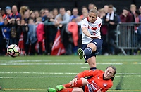 20170514 - LILLE , FRANCE : LOSC's Maud Coutereels (right) pictured during the 21 st competition game between the women teams of Lille OSC and La Roche Sur Yon in the 2016-2017 season of the Second Division A D2F A at stade Lille Metropole , Saturday 14th May 2017 ,  PHOTO Joke Vuylsteke | Sportpix.Be