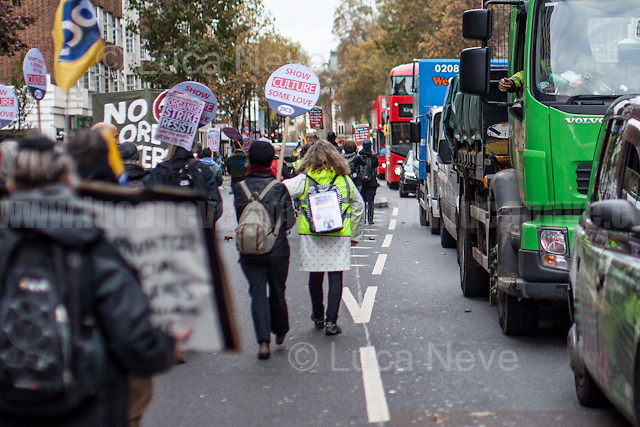 London, 05/11/2016. Today, more than two thousand people gathered outside the British Library to protest against the closure of libraries, museums and galleries by the British Government led by Theresa May. Then, protesters marched peacefully to Trafalgar Square where they held a rally. From the oganisers Facebook event page: &lt;&lt;[&hellip;] Public Libraries and Museums remain the lynchpin of communities, offering access to learning, reading, history, art, information and enjoyment. Libraries are, or should be, trusted public spaces for everyone. They play a crucial role in improving literacy, in combating the digital divide and in widening democratic involvement. BUT, in the UK since 2010, we've LOST: - 8,000 paid and trained library workers; - 343 libraries (600-plus including ones handed to volunteers); and - One in five regional museums at least partially closed. We've also seen: - Libraries' and museums' opening hours cut; - Budgets, education programmes and mobile/ housebound/specialist services slashed; - An escalation in commercialisation and privatisation; - A 93% increase in the use of volunteers in libraries; - Income generation become the priority for almost 80% of museums. This is a crisis and not an opportunity. Users, staff, campaigners and unions need to unite and fight before it's too late. PCS Culture Sector, Unite the Union, Barnet UNISON &amp; Save Barnet Libraries, and Campaign for the Book have been calling for a national demonstration to highlight the 'clear and present danger' to our national Library service [&hellip;]&gt;&gt;. The demo was supported by the Labour leader Jeremy Corbyn and by the French Trade Union &quot;la CGT&quot; (General Confederation of Labour, Conf&eacute;d&eacute;ration g&eacute;n&eacute;rale du travail).<br />