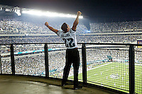 Philadelphia, PA: Eagles vs Tampa Bay                                 Photo by: Hunter Martin....on 9/8/03..Mandatory Credit:  Hunter Martin
