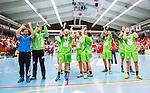 Eskilstuna 2014-05-15 Handboll SM-semifinal Eskilstuna Guif - Alings&aring;s HK :  <br /> Alings&aring;s spelare jublar med supportrarna efter matchen <br /> (Foto: Kenta J&ouml;nsson) Nyckelord:  Eskilstuna Guif Sporthallen Alings&aring;s AHK SM Semifinal Semi jubel gl&auml;dje lycka glad happy