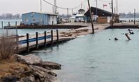 Sombra Ferry causeway