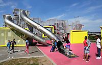 AMSTERDAM- Bijlmer park. Recreatie en sportpark. Speeltuin voor de jeugd