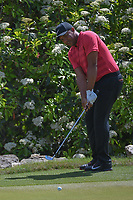 Jhonattan Vegas (VEN) chips on to 2 during day 2 of the World Golf Championships, Dell Match Play, Austin Country Club, Austin, Texas. 3/22/2018.<br /> Picture: Golffile | Ken Murray<br /> <br /> <br /> All photo usage must carry mandatory copyright credit (&copy; Golffile | Ken Murray)
