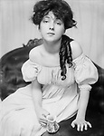 "Miss N (Portrait of Evelyn Nesbit), 1903. Evelyn Nesbit - american model, actress, party corps de ballet, one of the ""girls Gibson."""