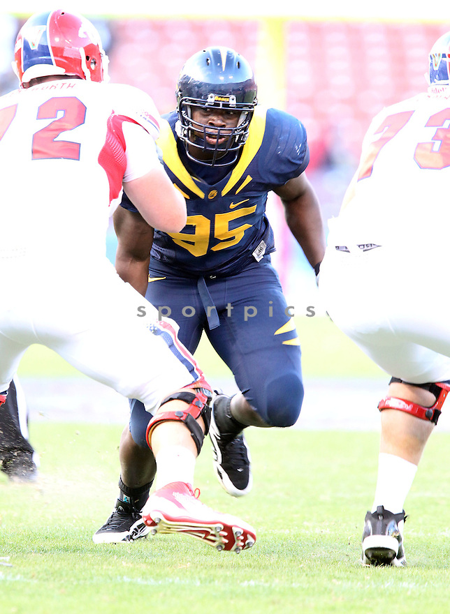 ERNEST OWUSU, of the California Golden Bears, in action during Cal's  game against the Fresno State Bulldogs, on September 03, 2011 Candlestick Park in San Francisco, CA. Cal beat Fresno State 36-21.