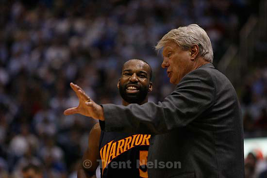 Salt Lake City - Golden State Warriors guard Baron Davis (5) and Warriors coach Don Nelson. Utah Jazz vs. Golden State Warriors, NBA Playoff basketball, Game 5, at EnergySolutions Arena.