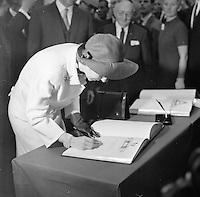 Juni 1969. Opening tunnel.  31 mei 1969. Feestelijke opening van de Kennedytunnel in Antwerpen. Koningin Fabiola.