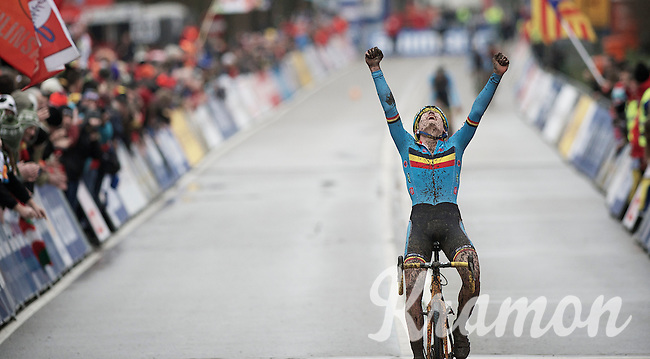 Thijs Aerts (BEL) crossing the line as the new juniors World Champion<br /> <br /> 2014 UCI cyclo-cross World Championships