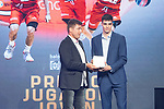Carlos Alocen (r) picks up the Best Young Player Award during the first edition of Spanish Basketball Awards. July 25, 2019. (ALTERPHOTOS/Francis Gonzalez)