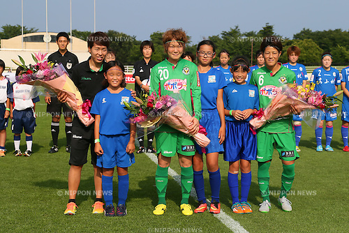 (L to R) <br /> Azusa Iwashimizu, <br /> Mizuho Sakaguchi, <br /> Saori Ariyoshi (Beleza), <br /> JULY 12, 2015 - Football / Soccer : <br /> 2015 Plenus Nadeshiko League Division 1 <br /> between NTV Beleza - AS Elfen Saitama <br /> at Hitachinaka Stadium, Ibaraki, Japan. <br /> (Photo by YUTAKA/AFLO SPORT)