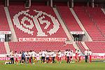 Mainzer Schlussjubel nach dem Klassenerhalt<br /> <br /> <br /> Sport: nphgm001: Fussball: 1. Bundesliga: Saison 19/20: 33. Spieltag: 1. FSV Mainz 05 vs SV Werder Bremen 20.06.2020<br /> <br /> Foto: gumzmedia/nordphoto/POOL <br /> <br /> DFL regulations prohibit any use of photographs as image sequences and/or quasi-video.<br /> EDITORIAL USE ONLY<br /> National and international News-Agencies OUT.