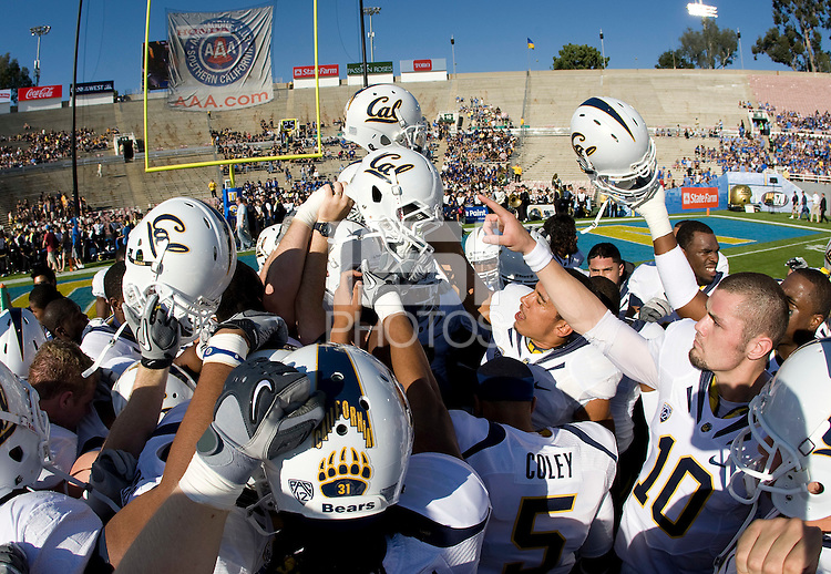 California players huddle together before going back to the locker room before the game against UCLA at Rose Bowl in Pasadena, California on October 29th, 2011.  UCLA defeated California, 31-14.