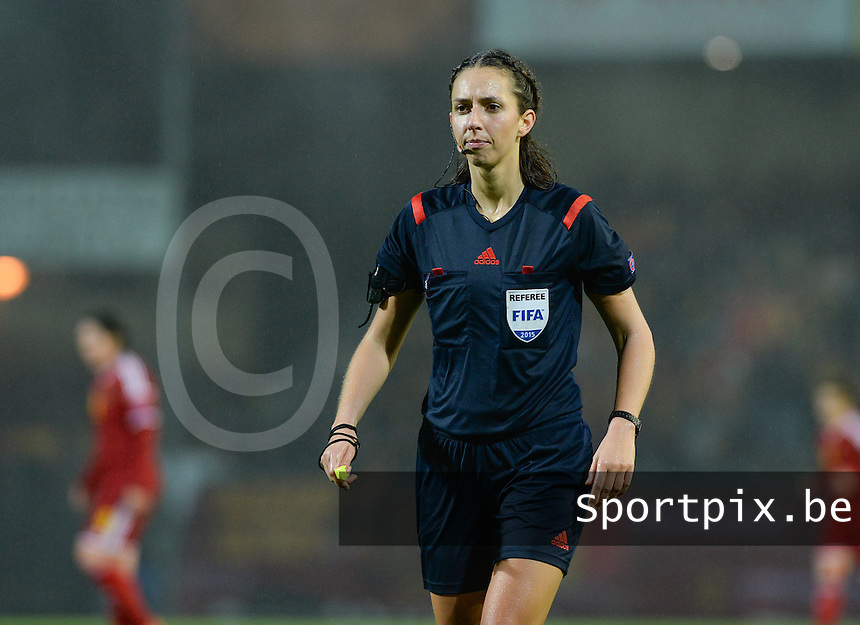 20151130 - LEUVEN ,  BELGIUM : German referee Marija Kurtes pictured during the female soccer game between the Belgian Red Flames and Serbia , the third game in the qualification for the European Championship in The Netherlands 2017  , Monday 30 November 2015 at Stadion Den Dreef  in Leuven , Belgium. PHOTO DAVID CATRY