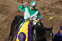 DEL MAR, CA - NOVEMBER 04: Irad Ortiz Jr., aboard Bar of Gold #5, celebrates after winning the Breeders' Cup Filly & Mare Sprint on Day 2 of the 2017 Breeders' Cup World Championships at Del Mar Thoroughbred Club on November 4, 2017 in Del Mar, California. (Photo by Ting Shen/Eclipse Sportswire/Breeders Cup)