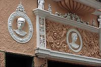 Cuba/La Havane: Détail déco porte d'une maison Calle Obispo