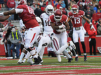 NWA Democrat-Gazette/J.T. WAMPLER Arkansas' David Williams scores against Mississippi State in the first quarter Saturday Nov. 18, 2017 at Donald W. Reynolds Razorback Stadium in Fayetteville. Arkansas lost 21-28.