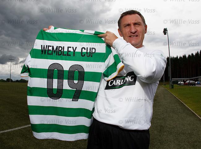 Tony Mowbray promotes Celtic's upcoming tournament at Wembley Stadium..*SUNDAYS ONLY*