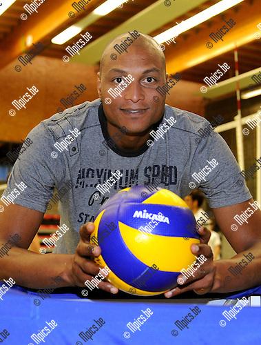 2011-11-04 / Volleybal / seizoen 2011-2012 / Puurs / Albert Cristina is de nieuwe coach van Puurs..Foto: Mpics