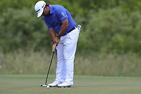 Roberto Diaz (MEX) takes his putt on the 1st green during Thursday's Round 1 of the 117th U.S. Open Championship 2017 held at Erin Hills, Erin, Wisconsin, USA. 15th June 2017.<br /> Picture: Eoin Clarke | Golffile<br /> <br /> <br /> All photos usage must carry mandatory copyright credit (&copy; Golffile | Eoin Clarke)