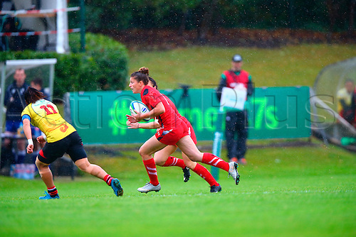 23.08.2015. Dublin, Ireland. Women's Sevens Series Qualifier 2015. Wales versus China<br /> Jessica Kavanagh (Wales) charges forward.