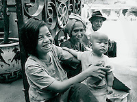 Mutter und Kind, Vietnam 1991