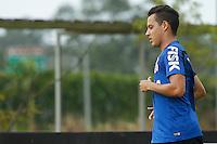 TREINO CORINTHIANS - SAO PAULO, 21 DE JANEIRO DE 2014 -  O jogador Rodriguinho durante o treino de hoje,  no Ct. Dr. Joaquim grava, na zona leste da capital. foto: Paulo Fischer/Brazil Photo Press.