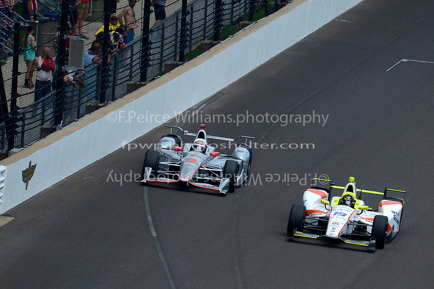 Verizon IndyCar Series<br /> Indianapolis 500 Race<br /> Indianapolis Motor Speedway, Indianapolis, IN USA<br /> Sunday 28 May 2017<br /> Will Power, Team Penske Chevrolet, Ed Jones, Dale Coyne Racing Honda<br /> World Copyright: F. Peirce Williams<br /> LAT Images