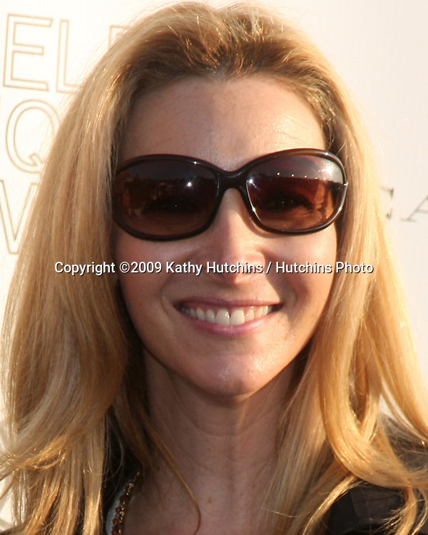 Lisa Kudrow arriving at the 14th Annual Los Angeles Antiques Show Opening Night Preview Party Benefiting P.S. Arts at Barker Hanger in.Santa Monica, California on April 22, 2009.©2009 Kathy Hutchins / Hutchins Photo....                .