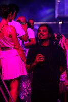 RIO DE JANEIRO, RJ, 01 DE JANEIRO 2012 - REVEILLON PRAIA DE COPACABANA - Cantor Falçao do O Rappa durante apresentacao Dj David Gueta no show da Virada na praia de Copacabana no Rio de Janeiro. (FOTO: VANESSA CARVALHO - NEWS FREE).