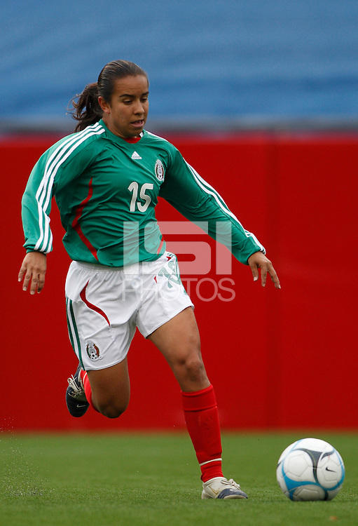Mexico defender (15) Luz Saucedo. The USA Women's National Team defeated Mexico 5-0 in an international friendly at Gillette Stadium, Foxbourgh, MA, on April 14, 2007.