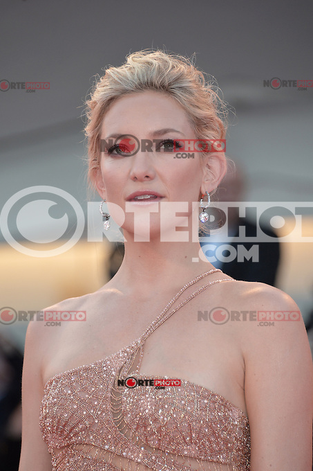 VENICE, ITALY - AUGUST 29: Actress Kate Hudson attends The Reluctant Fundamentalist premiere and opening ceremony during the 69th Venice Film Festival at the Palazzo del Cinema on August 29, 2012 in Venice, Italy /NortePhoto.com<br />