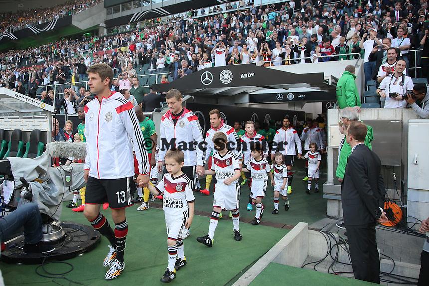 Deutschland läuft ein - Deutschland vs. Kamerun, Mönchengladbach