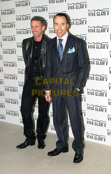 PATRICK COX & DAVID FURNISH.MAC Make-Up Viva Glam V Launch, The Hempel Hotel, Craven Hill Gardens.18 February 2004.full length, full-length.www.capitalpictures.com.sales@capitalpictures.com.© Capital Pictures.