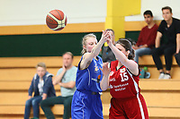 Sarah Deichmann (WU17 TV Groß-Gerau) verteidigt - Groß-Gerau 23.04.2017: WU17 Hessenpokal TV Gross-Gerau vs. TSV Krofdorf/Gleiberg