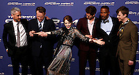 "Da sinistra, il produttore Matt Tolmach, il regista Marc Webb e gli attori Emma Stone, Andrew Garfield, Jamie Foxx e Dane DeHaan posano sul red carpet per l'anteprima del film ""The Amazing Spider-Man 2 - Il potere di Electro"" a Roma, 14 aprile 2014.<br />