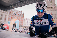 Elia Viviani (ITA/QuickStep Floors) signing on at the race start in the Central Square in Bruges<br /> <br /> Driedaagse Brugge-De Panne 2018<br /> Bruges - De Panne (202km)